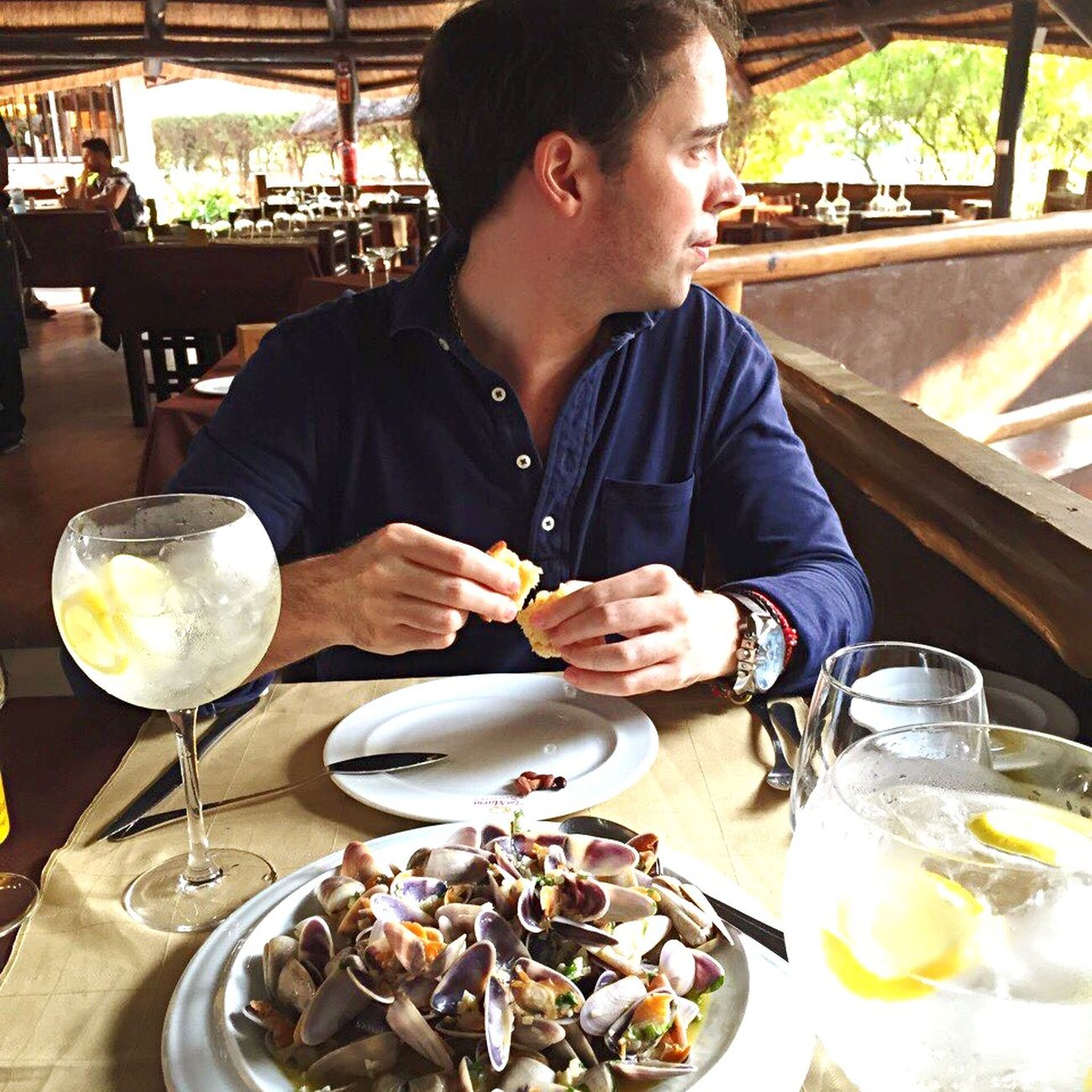 Almoço De Domingo Colonial Jango Luanda Hendricks Quietas Guanilho
