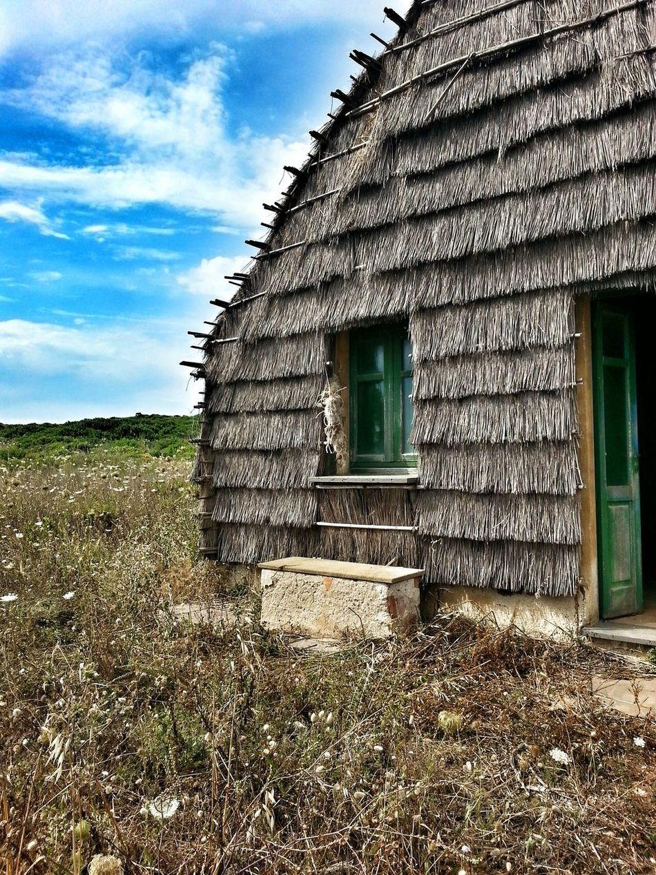 Thatched Hut Hut Huts And Sky Capanna Oasi Oasi Di Seu Sinis Straw Sardinia Sardegna Italy  Hanging Out Landscape EyeEm Original Experiences