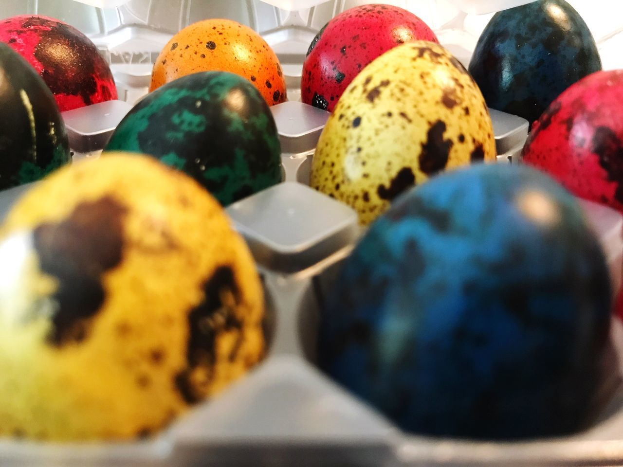 Eggs Easter Eggs Quail Eggs Colored Eggs Easter Food Food And Drink Multi Colored Egg Easter Easter Egg Selective Focus Close-up