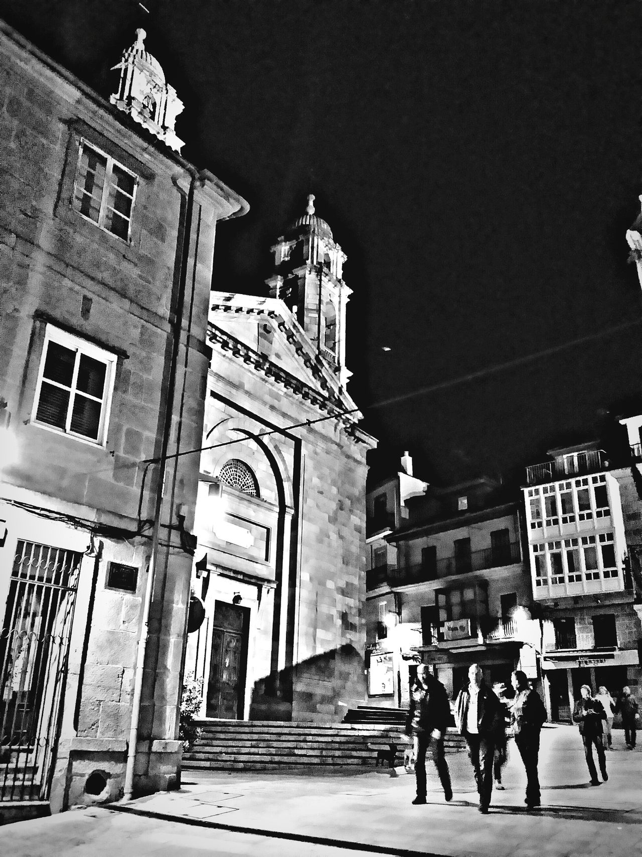 Vigo, old town, yerterday midnight 🌃🌛🌛 Street Life for the Bnw_friday_eyeemchallenge Snapshots Of Life Malephotographerofthemonth HDR Architecture Blackandwhite Monochrome Streetphotography EyeEm Best Shots
