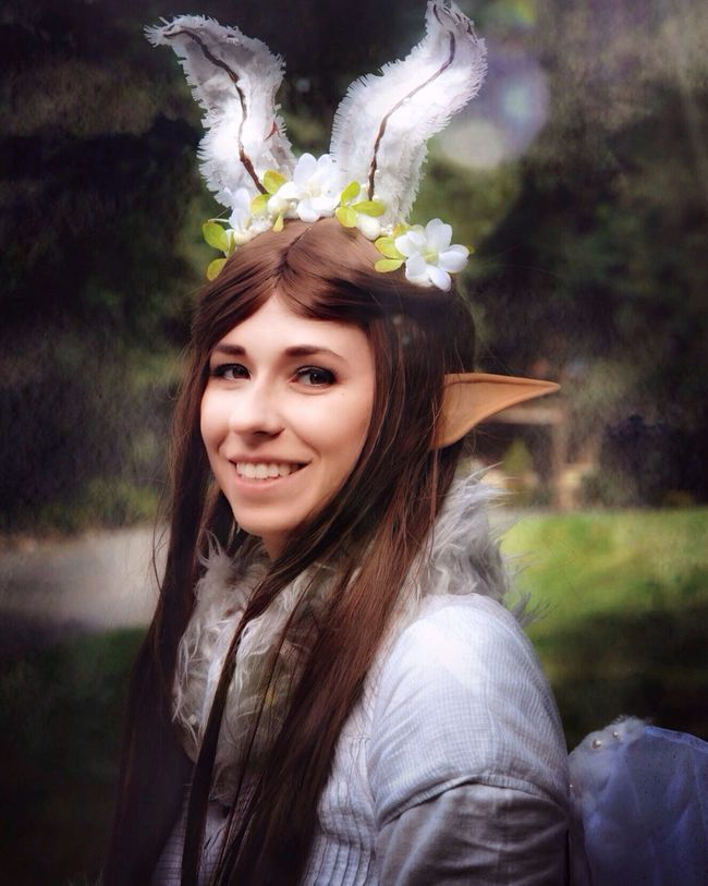 Headshot Lifestyles Portrait Cosplay Shoot Elf Woman Fantasy Person Smiling Long Hair Looking At Camera Focus On Foreground Front View Young Adult Beauty Flower Day Innocence Outdoors