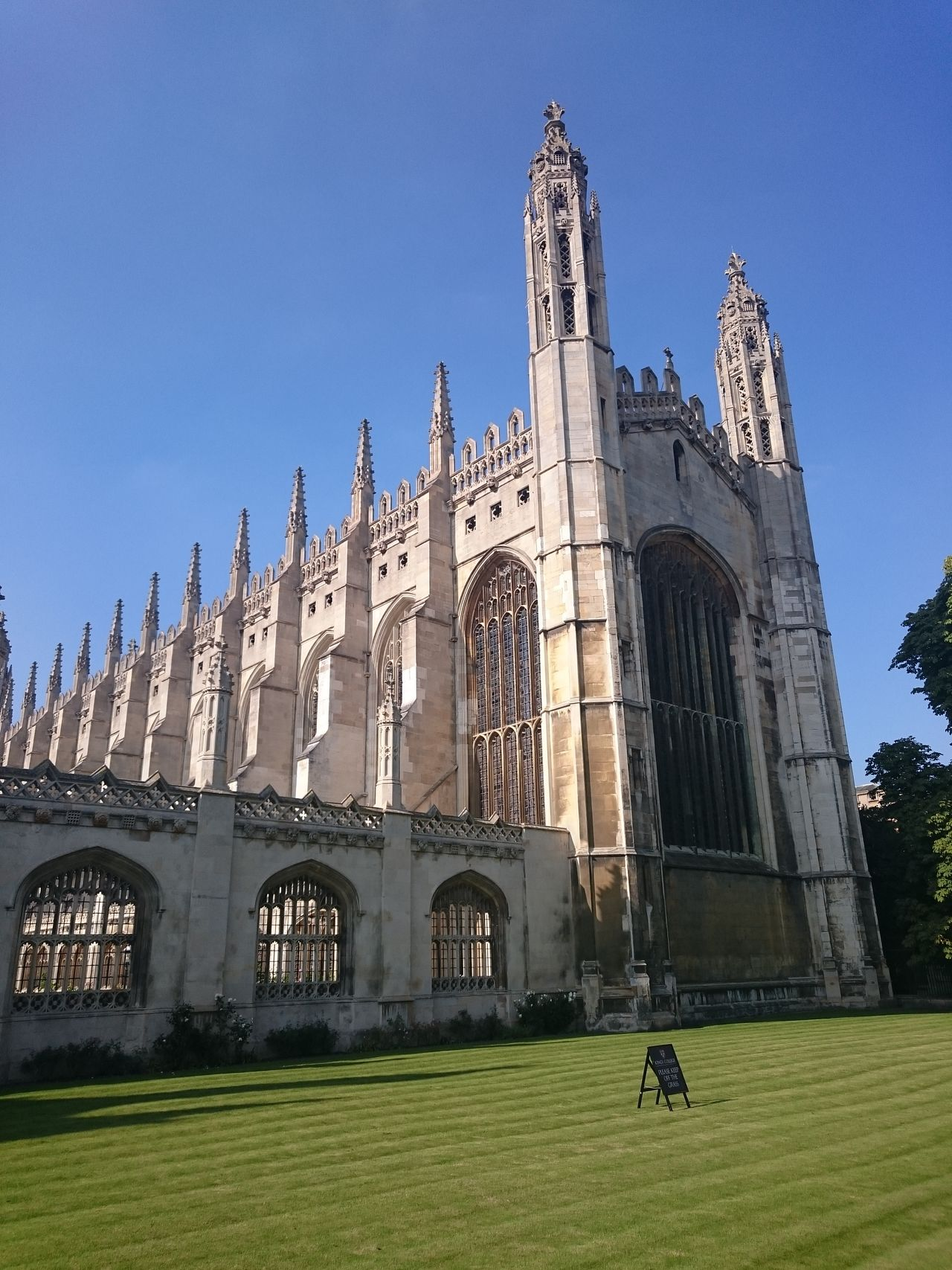 Cultures Travel Destinations Tower Architecture Gothic Style Place Of Worship City Outdoors No People Clock Tower Sky Day Kings College Cambridge Urban Geometry Culture And Tradition University Campus Cambridgeshire Beauty In Architecture Architecture Natural Colours
