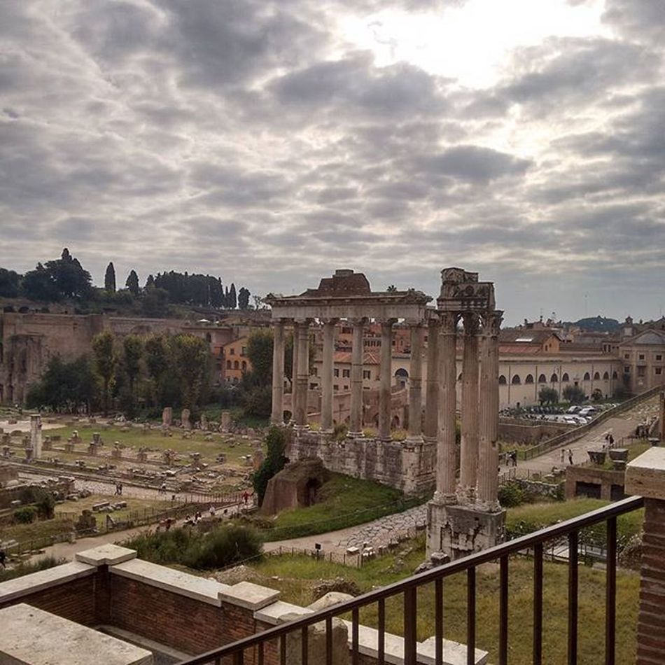There's a Forum for your complaint Rome Roma Italy Italia Prison Forum Ancientrome Ancient Caesar Mamertine Fora Fori Latin Holiday Europe Nofilter Native Androidography Androidonly