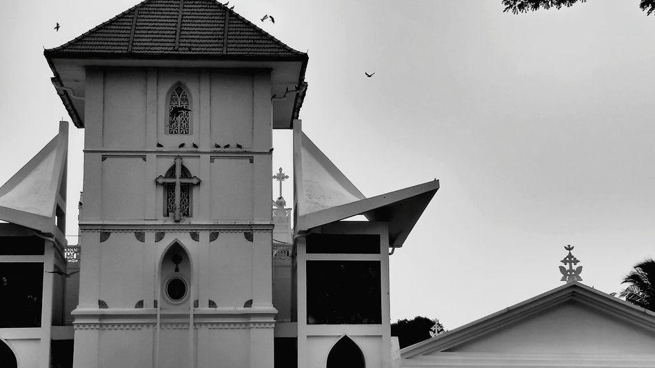 Blackn'White Church