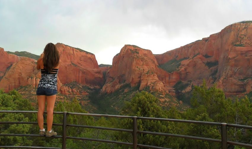 Viewing Utah red cliffs Beauty In Nature Geology Leisure Activity Mountain Physical Geography Red Cliffs Rock - Object Rock Formation Rocky Mountains Tourism Travel Destinations Utah