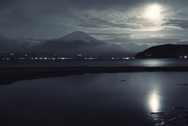富士山!逆さ富士は拝めず😂 Eyemphotography 富士山 EyeEm Best Shots 山梨 山中湖 Eyem Gallery Night View Mt_FUJI