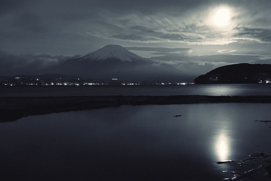 富士山!逆さ富士は拝めず😂 Eyemphotography 富士山 EyeEm Best Shots 山梨 山中湖 Eyem Gallery Night View Mt_FUJI
