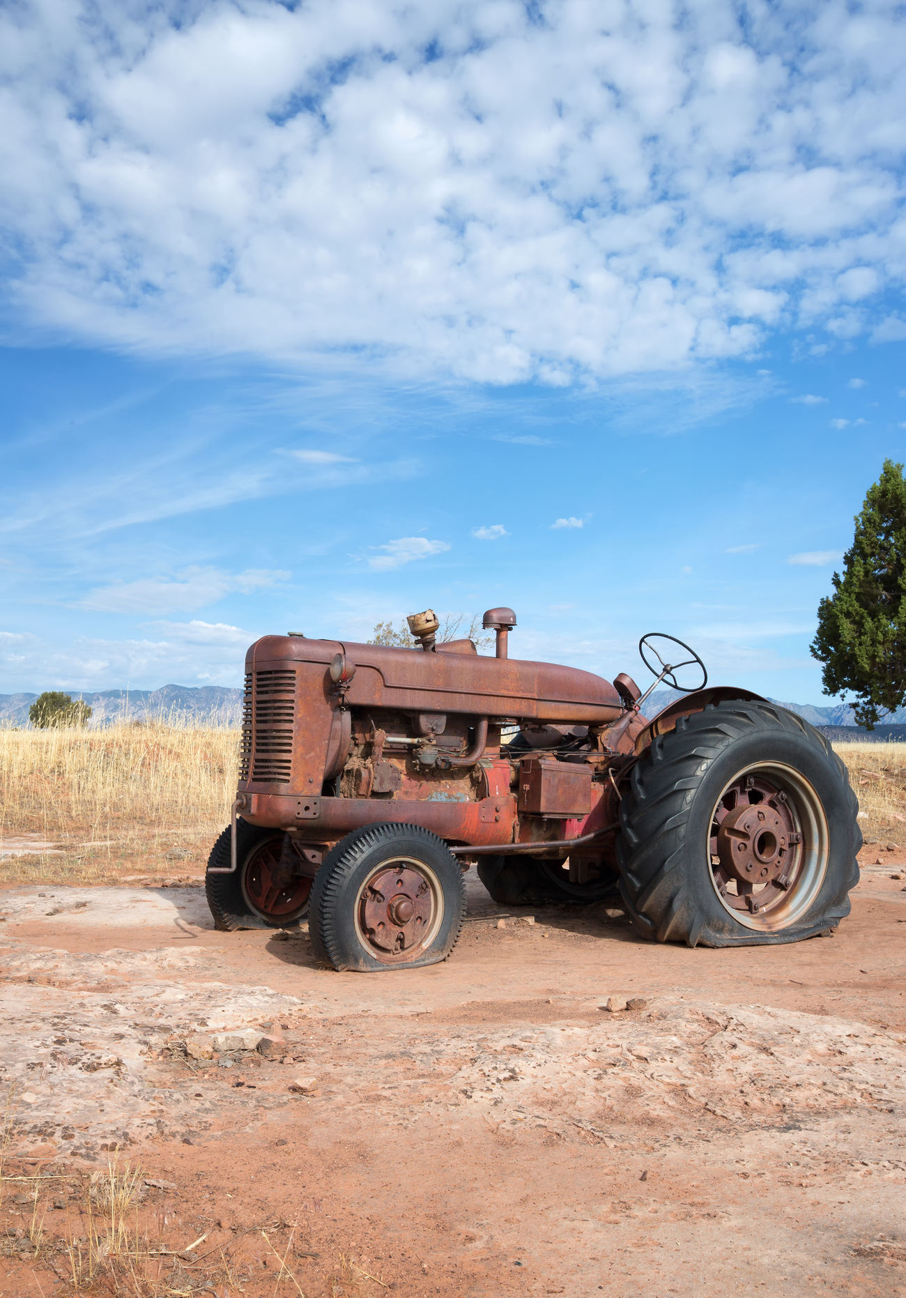 Antique Tractor Tractor Love Red Tractor Old But Awesome Trucks Farming Vehicles Rural Scenes Rural America Farming Bestoftheday Eye4photography  I Hope My Pictures Touch Your Hart Canon 5d Mark Lll Tractors Among Us Tractorlife Transportation EyeEm Best Shots Canon Western Utah Fine Art