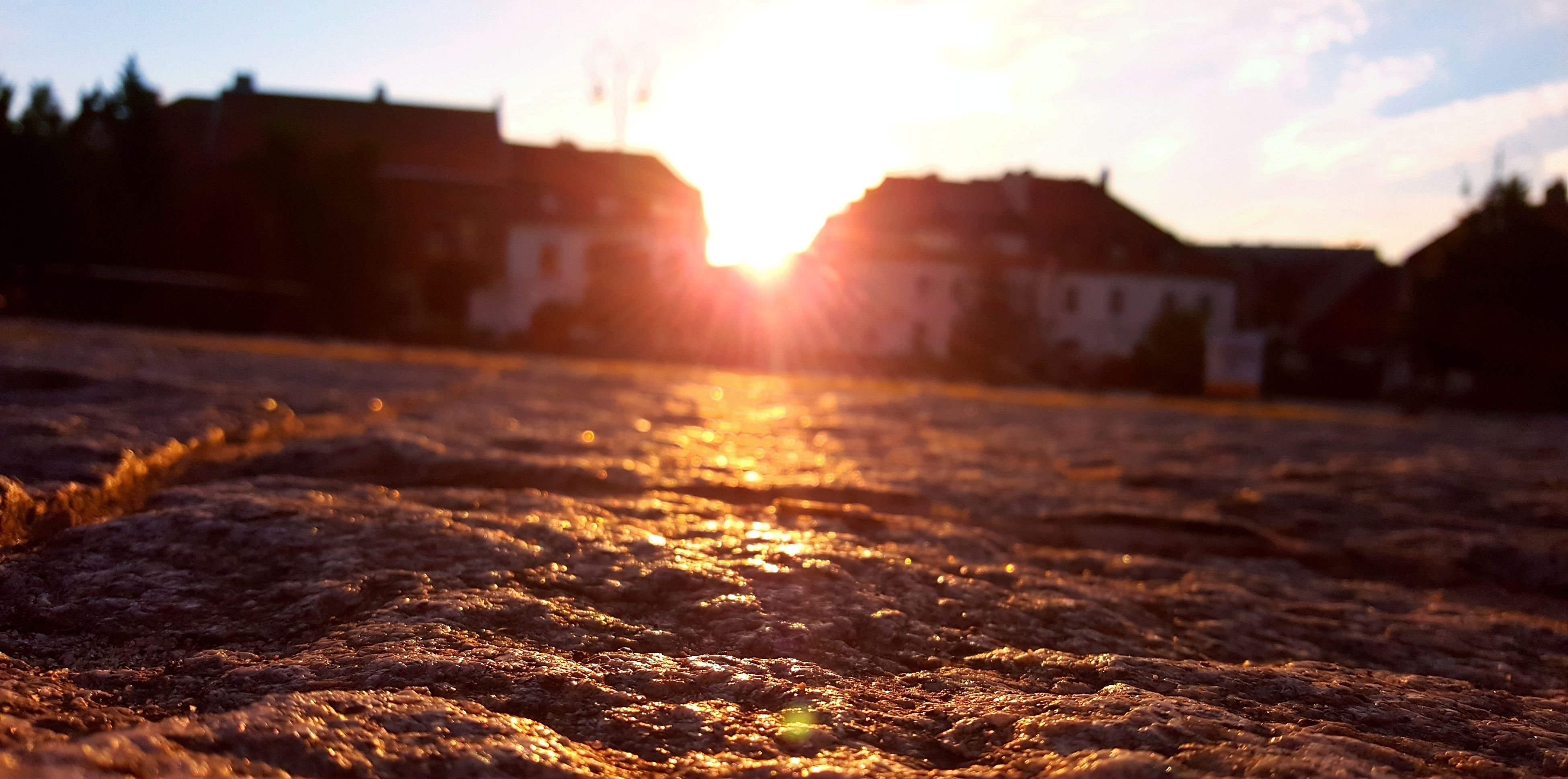 sunlight, sunset, sun, no people, nature, sunbeam, outdoors, building exterior, close-up, architecture, beauty in nature, day, sky, sunrise