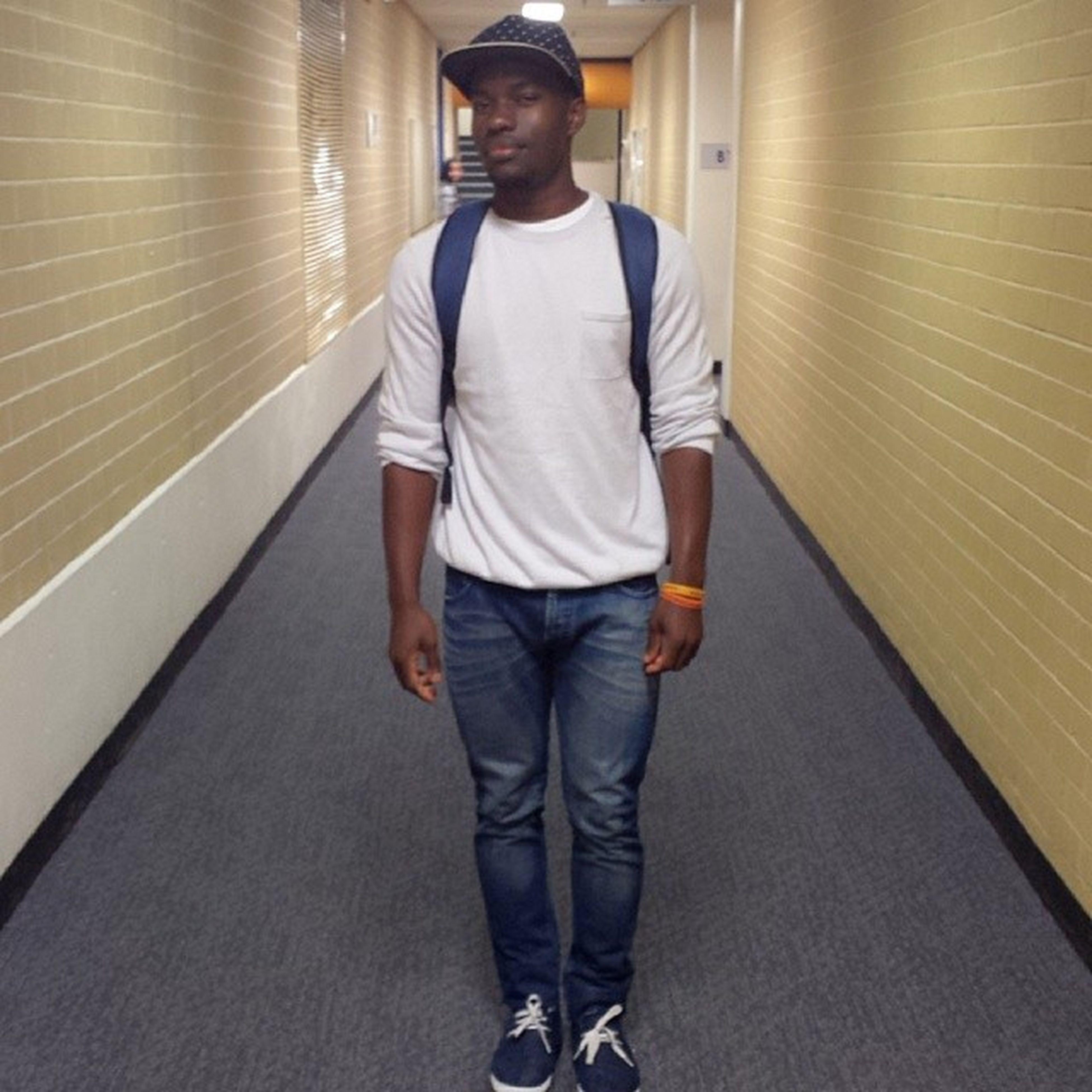 Walking the halls solo Schoolgotreal