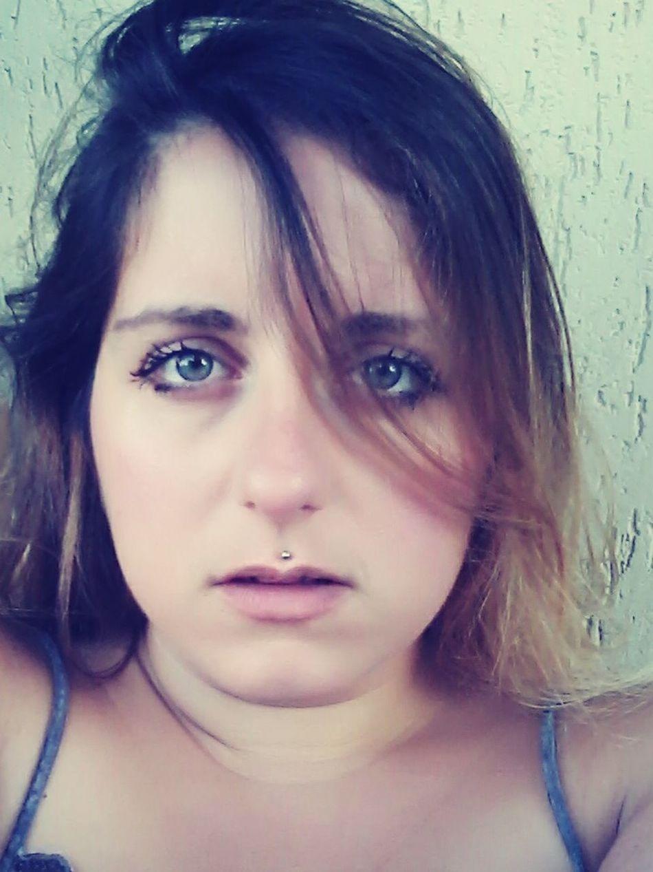 Me Relaxing Me Myself And I Green Eyes Blonde Girl Brondehair Eyes
