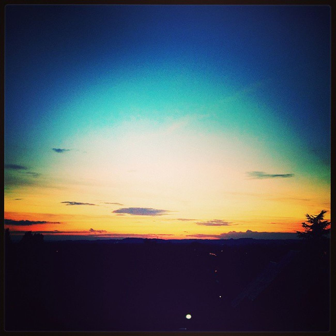 Un dernier ☀ Gouvieux Picardie Oise  Soleil sunset couchedesoleil blackberry blackberrypassport