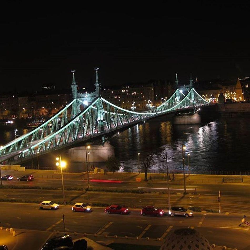 Budapest Brigde Chainbridge Hungria Traveler Travel Traveling