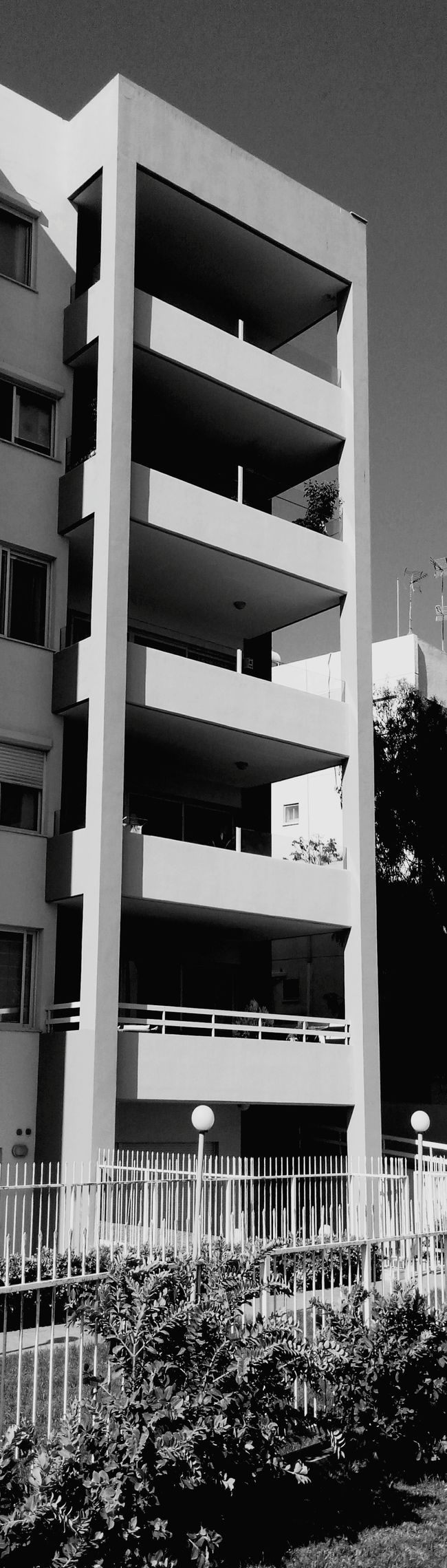 Scrollup my Panoramic Urban Landscape in Monochrome Blackandwhite and enjoy Amazing View of Architectural Detail of that Building • Eye4black&white  and Eye4photography