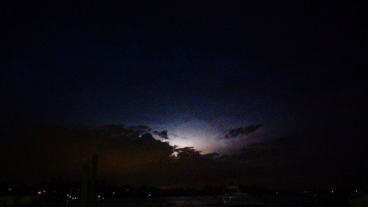 Lightning Flash In Sky. Grainy Images Lightning Behind Clouds Hanging Out Taking Photos Check This Out EyeEm Masterclass EyeEm Gallery EyeEm Best Shots Perspective Photography Colour Of Life Simple Elegance Personal Perspective Rhode Island Photography⚓ Vibrant Colors