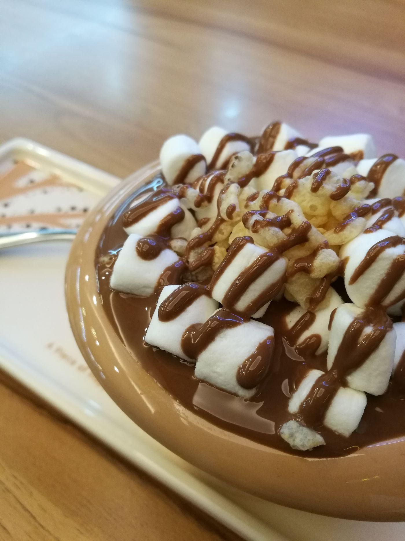 🍫 Chocolate Time Chocolate Crispy Rice Food Hunting Malacca Historical City, Malaysia Molten Chocolate Food EyeEmNewHere