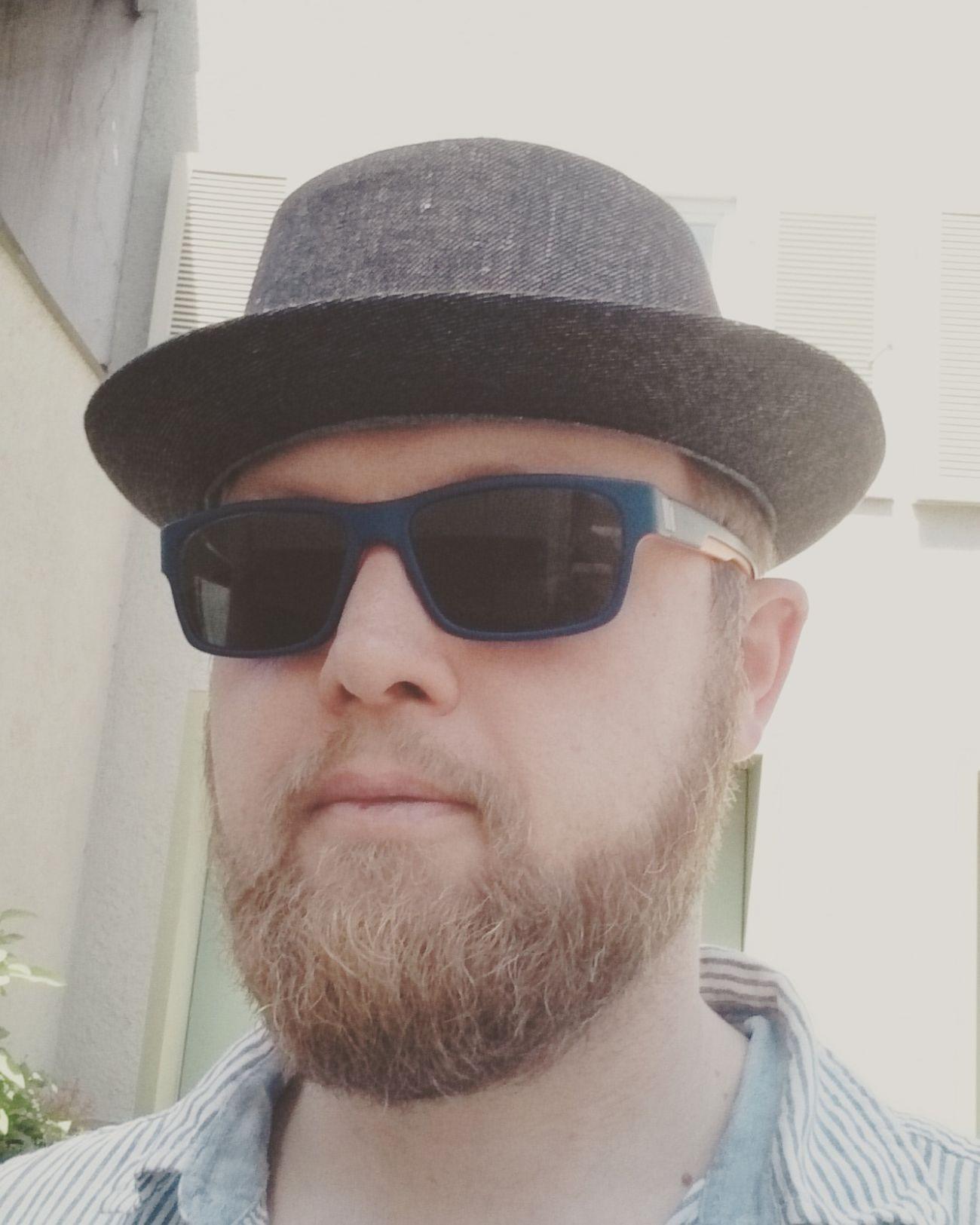 Mann mit Hut und Bart. Hut BART Bearded Porkpiehat Hat Sommer Beardbrand Beardbrandpotd Urbanbeardsman Beardbrand