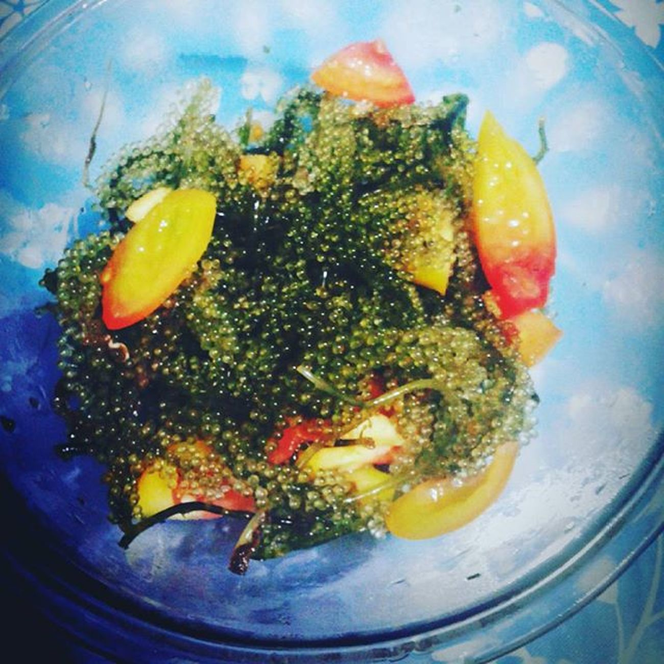 Now eating : Ar-arosep? Wahahahahaa di ko alam. Halamangdagat Seaweedsalad