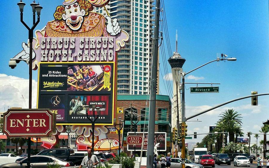 Crazy World Having Fun Viva Las Vegas What Happens In Vegas, Stays EyeEm Traveling America Creating Memories Ladyphotographerofthemonth