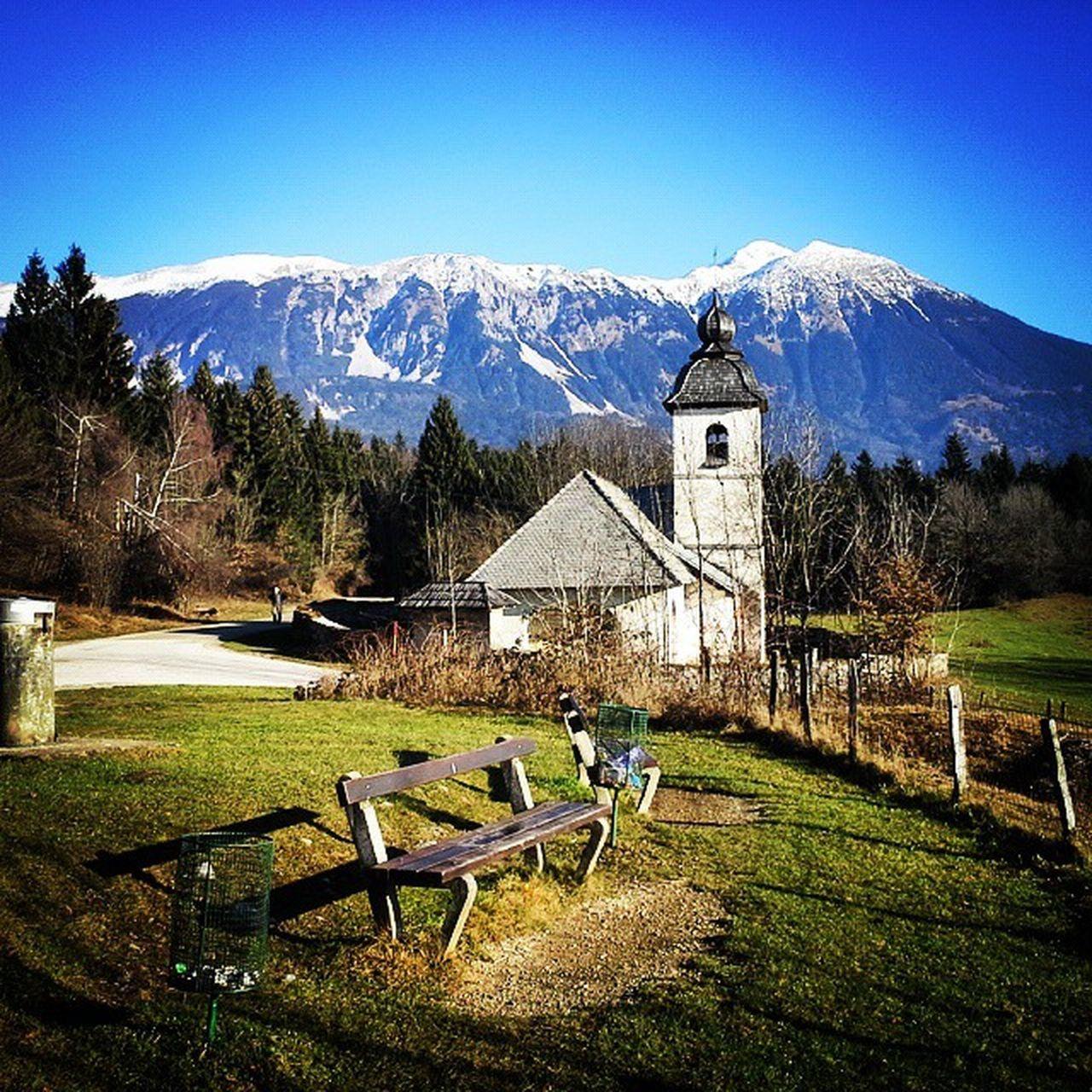 Hom :) Hom Svkatarina Oltargorenjske Zasip Bled Slovenija Slovenia Church Mountains