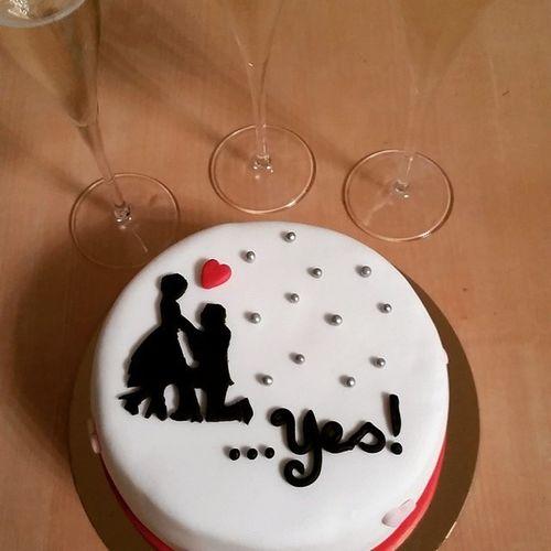 Celebrating with the girls! ❤👰💑🎀🎂🎉 Happyengagement BestfriendsForEver Bffs Lovemylife Surprise Love