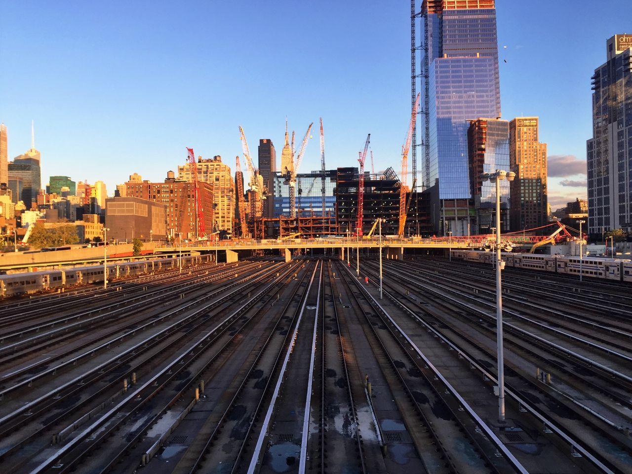 New York Train Traveling Public Transportation Train Tracks Railway Railwaystation Train Yard Skyline United States Leading Lines