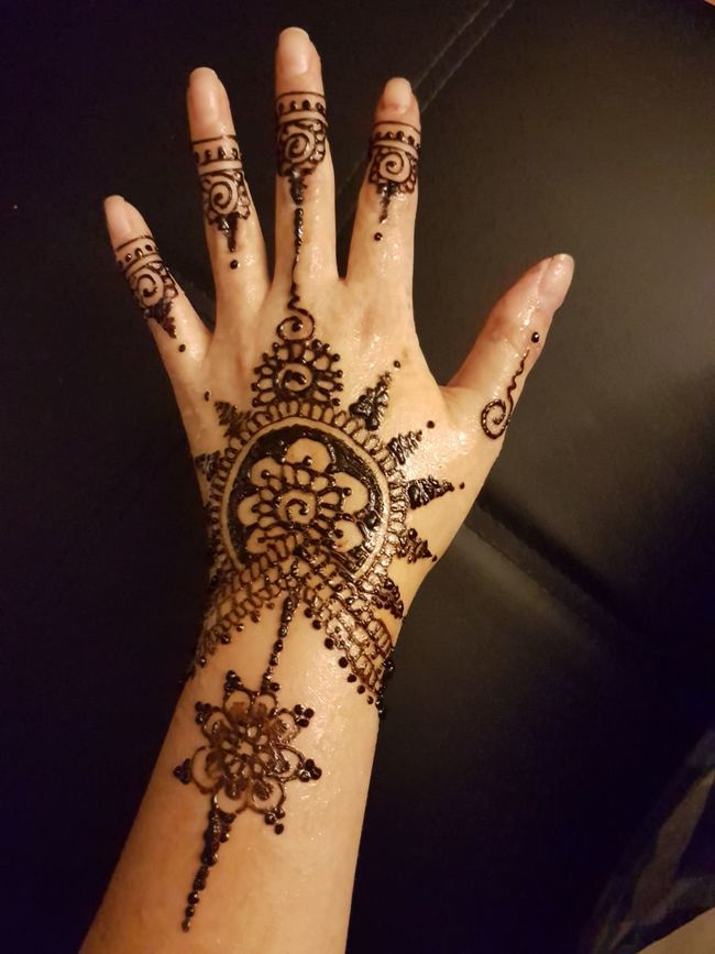 Human Body Part Arts Culture And Entertainment Body Adornment Punjabiculture Creativity Art And Craft Human Skin Henna Tattoo Human Finger Punjabistyle MehndiDesign Culture My Work Mehndi MehndiTattoos Design Tattoo