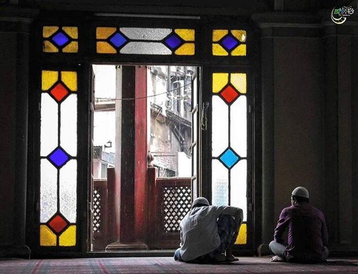 | | Colors Of Nakoda | | Nakoda Mosque, Kolkata Kolkatadiaries Kolkata Streetphotography Streetsofcalcutta Turtletrending Ig_calcutta _ig_clicks Onlyinbengal Photographer Photography Colors Colorful Storiesofindia Streetfeat Ngma Shoot4lava Photographers_of_india Everydayindia