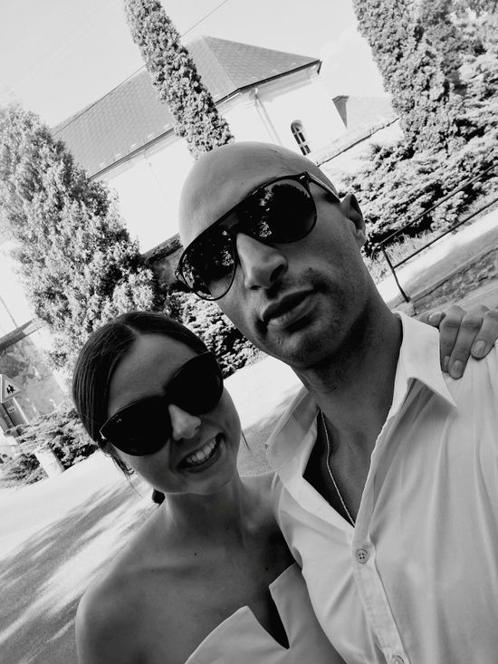 Sunglasses Two People Heterosexual Couple Togetherness Portrait Couple - Relationship Looking At Camera Adults Only Selfie Adult Men Outdoors Day Love Summer People Husband Young Women Wife Smiling