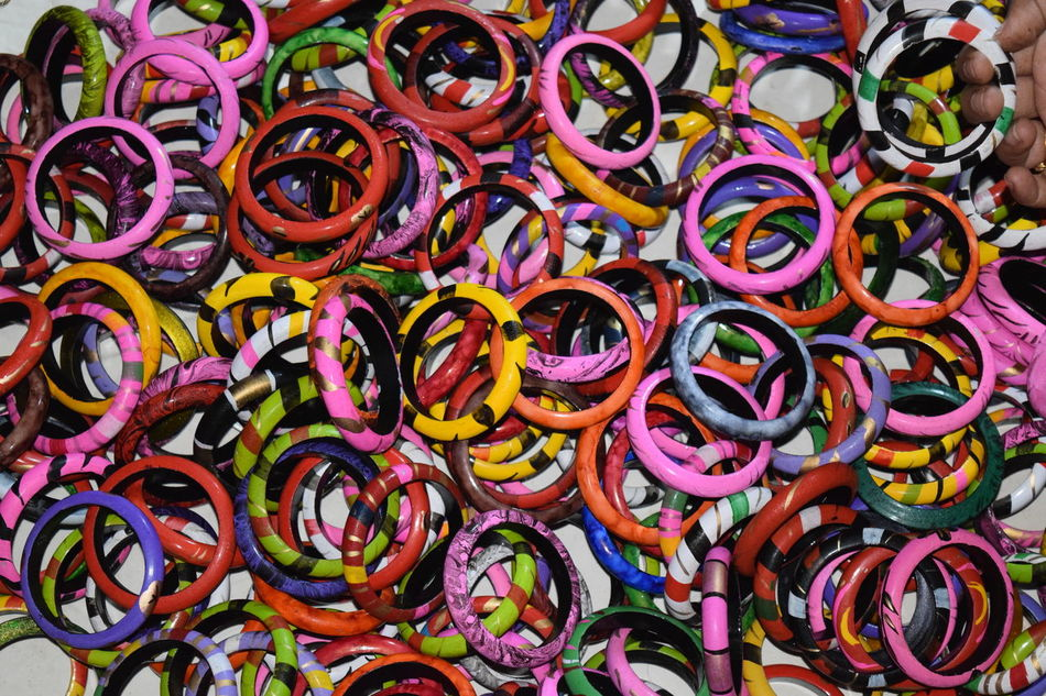 Shellac Bangles Multi Colored Abundance Variation Large Group Of Objects Shellac Backgrounds For Sale Close-up Powder Paint Bangle NIKON D5300 EyeEm Eyeem Market EyeEm Best Shots Eyeem Photography Eyeemphotography Nikon Photography EyeEm Gallery EyeEm Vision EyeEm Nature Lover Eyeem4photography Plastic Material Multicolored Full Frame Outdoors