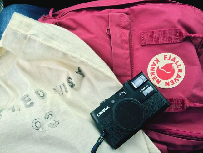 Film camera for life. Filmcamera Minolta Fjallravenkanken Muji