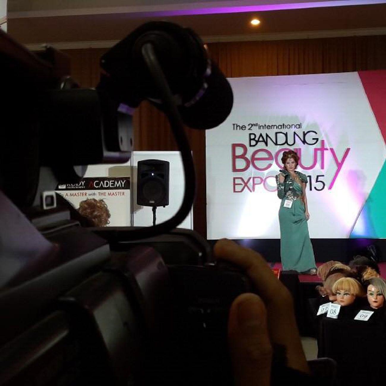 Graduation Day Rudy Hadisuwarno School di Bandung Beauty Expo 2015 Televisinet INDONESIA Bandung EventBandung Event Indonettv Rudyhadisuwarno Fashion Fashionshow