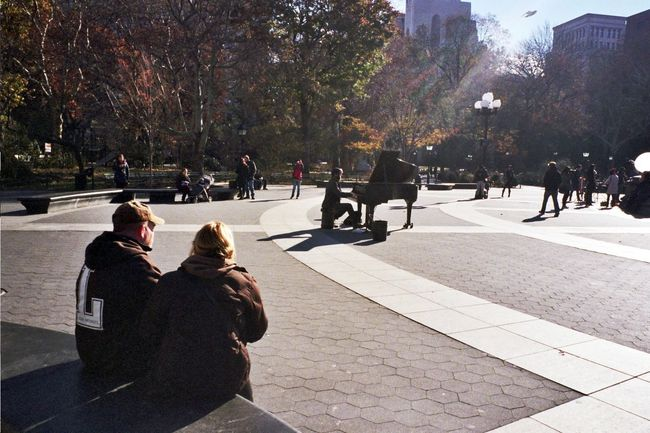At Washington Square Park Playing Piano Hanging Out NYC Photography NY Klasse W I Shoot Film Real Film