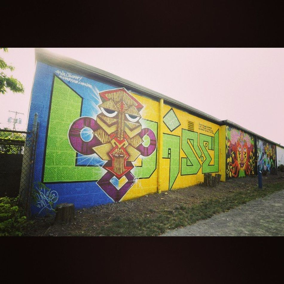 Final Wisetwo mural at Walltherapy 2013 ..Streetart photo courtesy of @marthacoopergram Thank you.