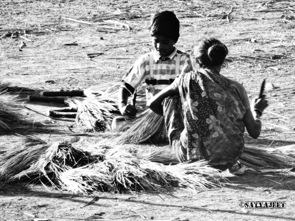 Non-urban Scene Outdoors Person Young Adult Working Child Worker Working Child Of India Family Workation People And Places People And Places.