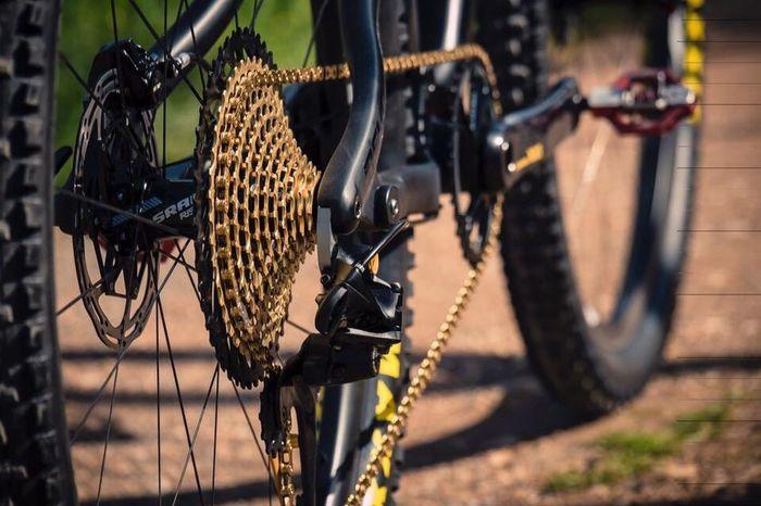 Eurobike Bike Sram Gold Bycicle Stuff Focus On Foreground DSLR Land Vehicle Bikepark First Eyeem Photo Outdoors