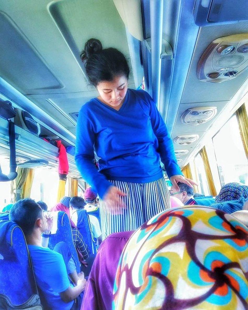 Karna duduk saja didalam bis itu membosankan Fpk Bri  BankRakyatIndonesia Didalam Bis Bisa Jempalitan