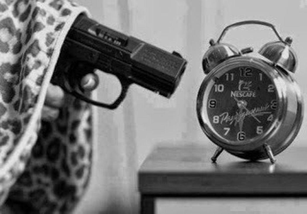Odio que me despierten en las mañanas ._. Furious Mornin