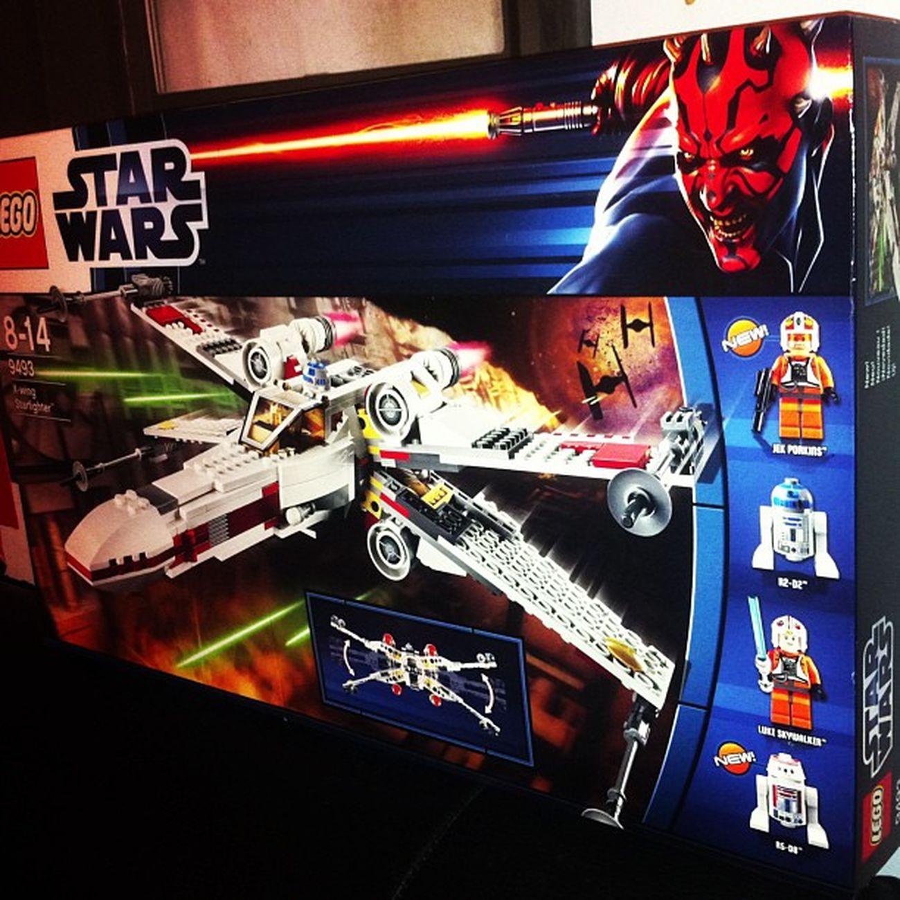 Mon premier cadeau de Noël (non c'est pas pour les enfants) Starwars Xwing LEGO