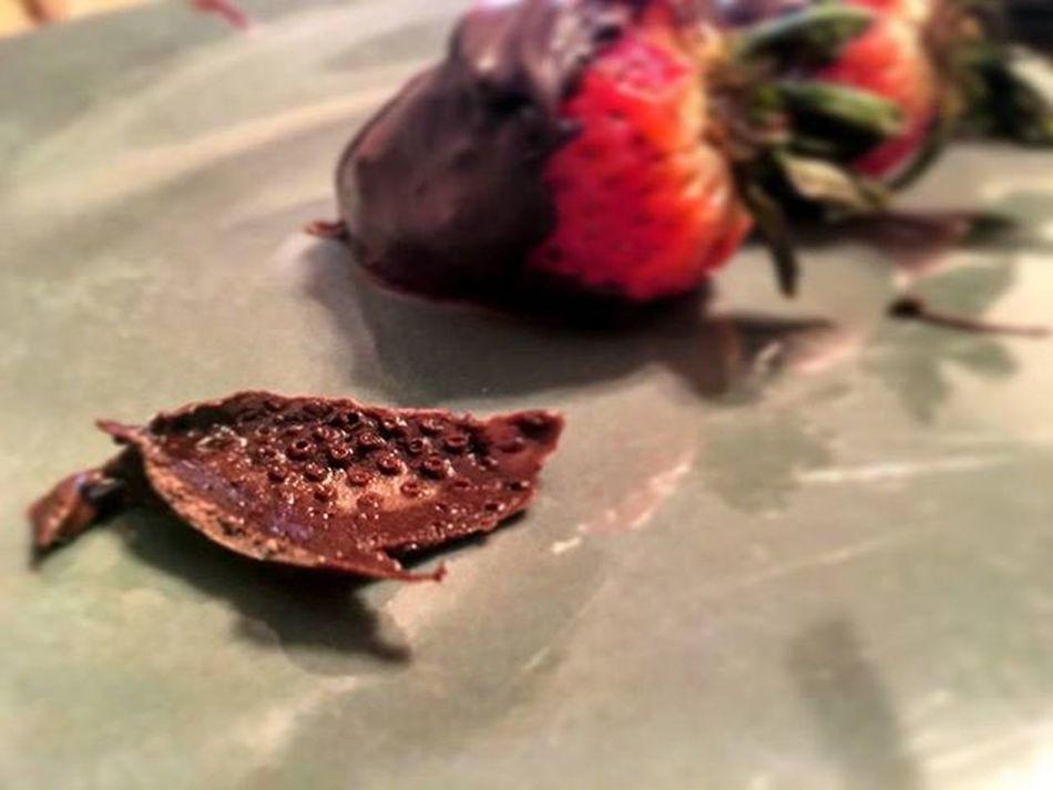 Sticky Situation Chocolate Strawberries Chocolatedippedstrawberries Dessert Treats Chocolatedipped Yum Delicious Omnomnom Goodies Chocolatestrawberries Food