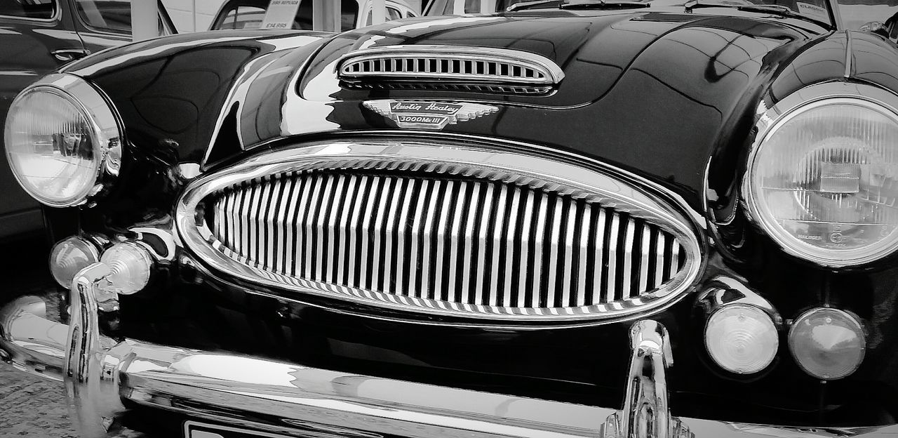 Vintage Cars Classic Elegance Classic Car Austinhealy Blackandwhite Photography Arty Shots Metal Lamps Shiny Car Transport Close-up Carporn