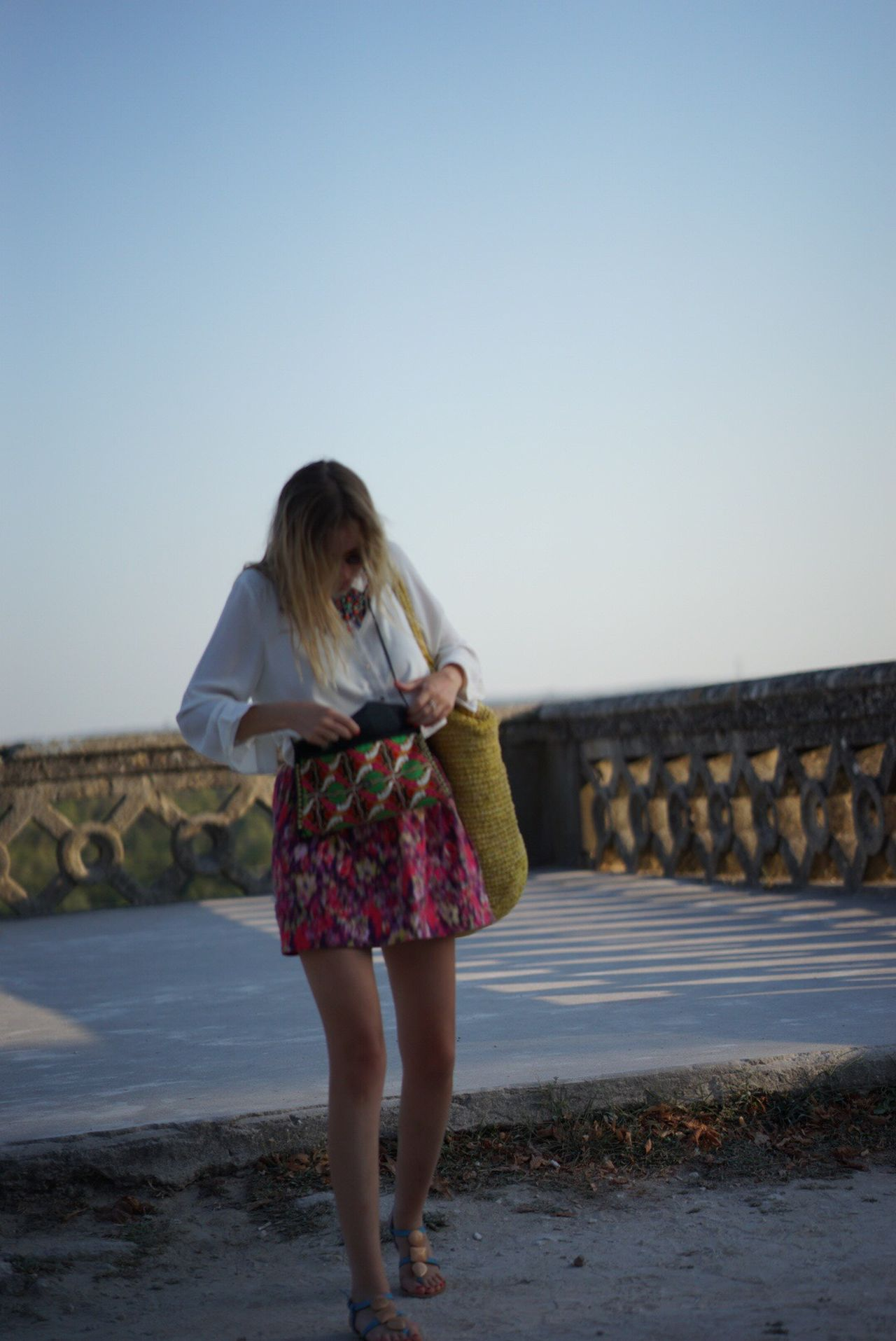 Uzés Handbag  Handbags Girl Sun Sky Legs Blonde Blonde Girl Zeiss 85mm 1.8 85mm France Southoffrance
