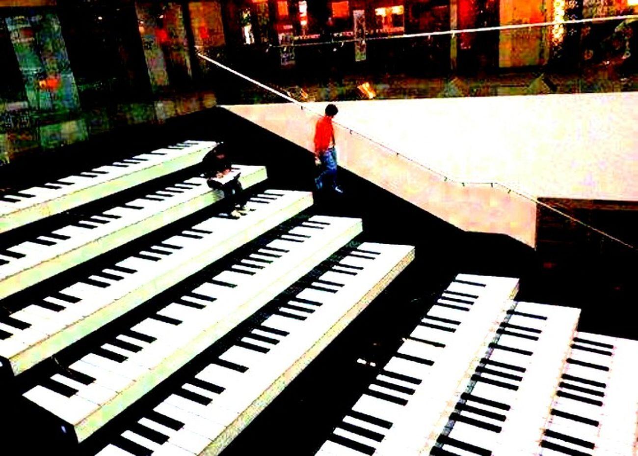 Piano Teclado Escada Degraus