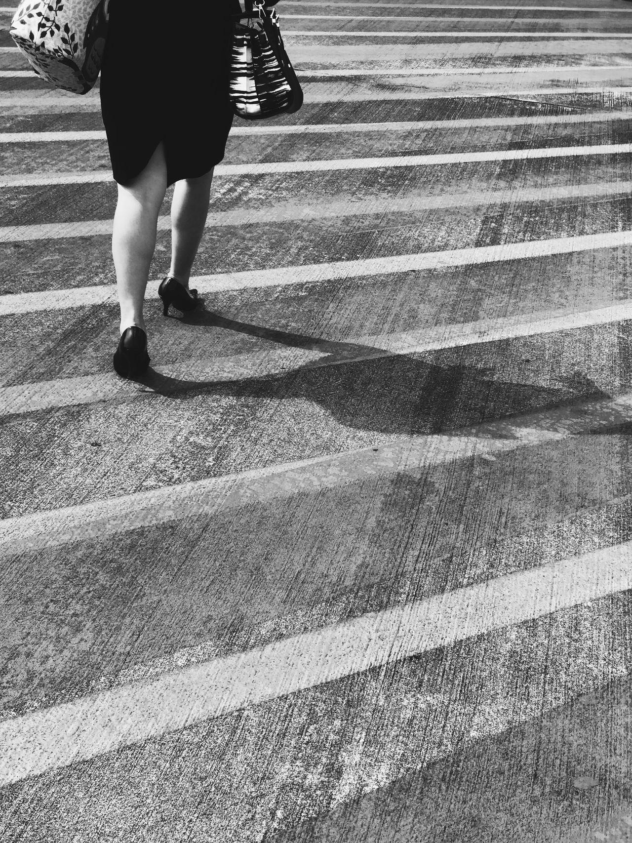 Bareng bayangan Walking Low Section One Person Real People Rear View Human Leg Outdoors Lifestyles Day Women Adult People Adults Only The Street Photographer - 2017 EyeEm Awards Blackandwhite Blackandwhite Photography Black And White