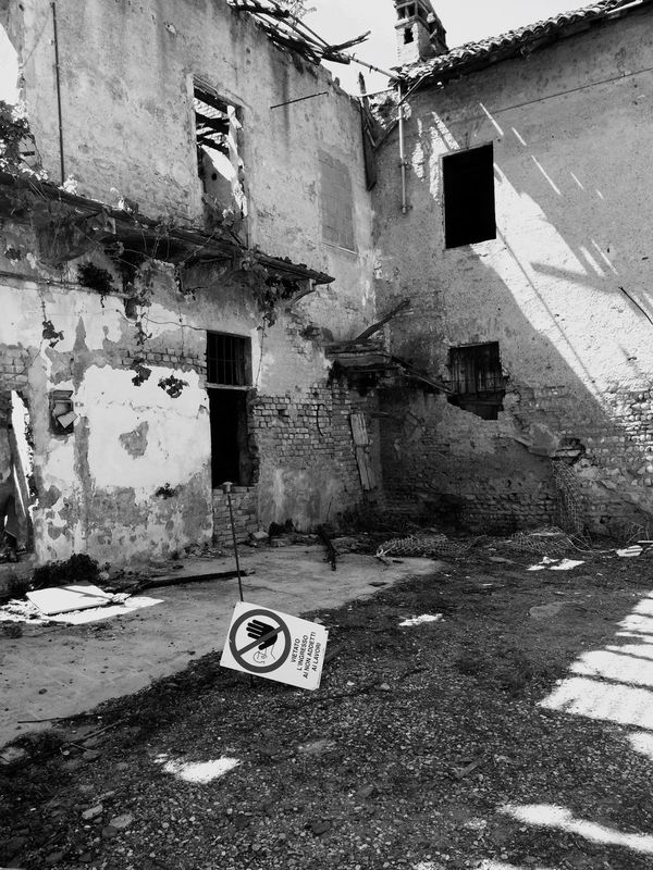 Architecture Built Structure Building Exterior No People Day Outdoors Blackandwhite Black And White Photography Black And White Black&white Blackandwhite Photography Black & White Abandoned Abandoned Places Danger Dangerous Italy Going Around By Bike Spring Biancoenero Bianco E Nero Building Keep Out Lonely Black And White Friday