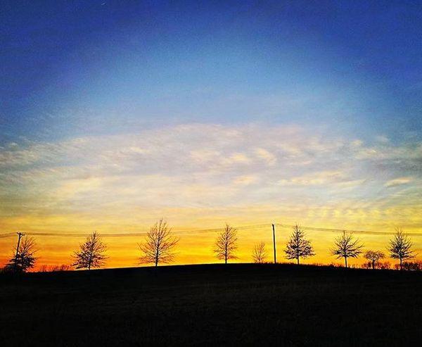 Same sunset tonight but other side Ks_pride Atchison Atchisonks Kansas Kansasnature Worldwide Sunrise_sunsets_aroundworld Sunrise WOW Wow_america World_bnw World Fuckyeah Sunrisagram Nights  Dusk Sundown Kansasnature Kansasmag WOW Wow_america_landscape