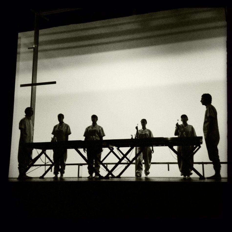 Performance no Fórum do Futuro de Rirkrit Tiravanija ontem no teatro municipal Rivoli . Forumdofuturo EyeEm Porto Black & White Shootermag_portugal Rirkrit Tiravanija
