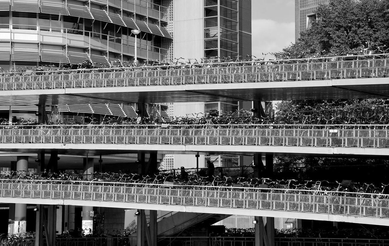 CyclingUnites Garage Bicycle Bicycle Garage Park House Bnw Architecture Building Exterior Schwarzweiß Bnwphotography Best EyeEm Shot Metal Art Metalwork Parkhaus Amsterdam Monochrome Photography Parkhaus