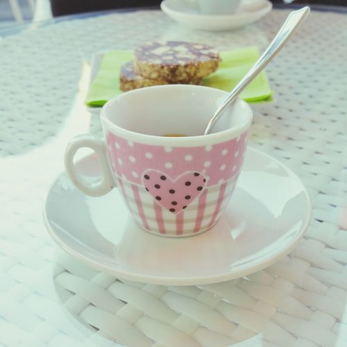 Coffee And Sweets Coffeetime Coffee Break Coffee ☕ Coffeelover Coffee Cup Pink Color Dolcirisvegli November2015 Autumnday White Color Reggioemilia Scandiano Appenninoreggiano Pausacaffè Relaxing Moments