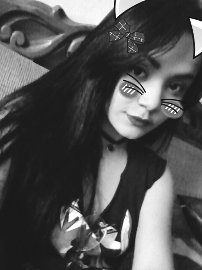 The real crazy cat lady ;-) Funny That's Me Myself Bllackandwhite Chocker Blackhair Longhair Girl Metalgirl Sodom  Lipstick Playing With Pictures.